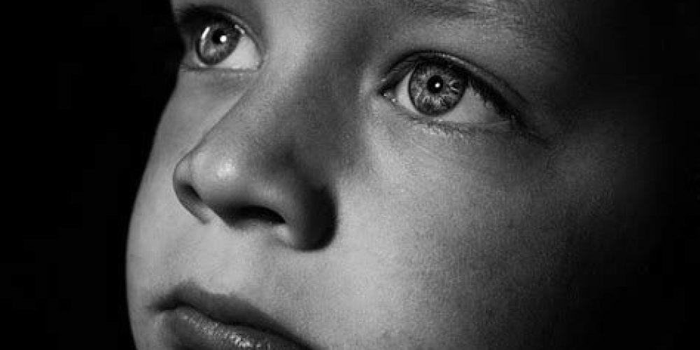 «Vaccin» génique : sommes-nous prêts à sacrifier des enfants pour rien ?!